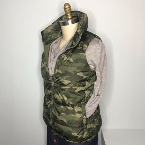 New Puffer Vest Green Camo by Old Navy